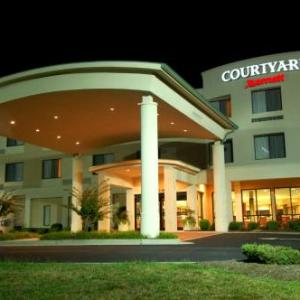 Virginia International Raceway Hotels - Courtyard Danville