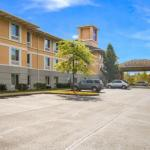 Sleep Inn & Suites Dunmore