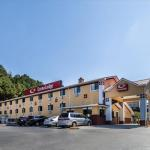 Accommodation near Cowboys Atlanta - Super 8 Cartersville