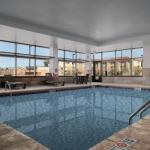 Hiccups III Accommodation - Baymont Inn And Suites Denver International Airport