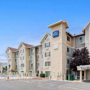 Se7en at West Street Market Hotels - Baymont Inn and Suites Reno