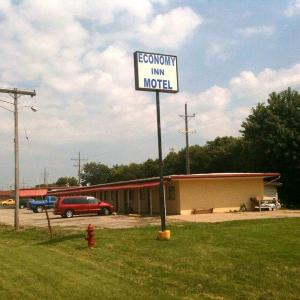 Three Sisters Park Hotels - Economy Inn Chillicothe