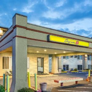 Hotels near Sioux City Community Theatre - Super 8 North Sioux City