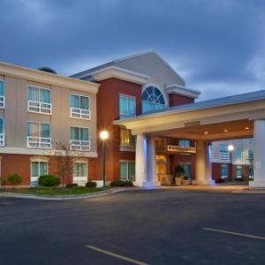 Berlin Raceway Hotels - Holiday Inn Express Hotel & Suites Grand Rapids-North
