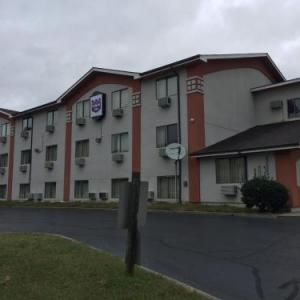 Hotels near Old Towne Civic Center - Super 8 Petersburg/Hopewell Area