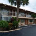 Kravis Center Hotels - Park View Motor Lodge