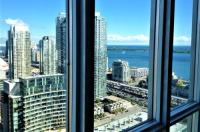 Toronto Vacation Home Rentals - Luxury City And Lake View Condo Image