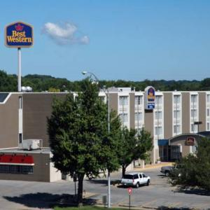 US Cellular Center Cedar Rapids Hotels - BEST WESTERN Coopers Mill Hotel