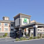 Accommodation near Ashland Armory - Holiday Inn Express Hotel & Suites Ashland