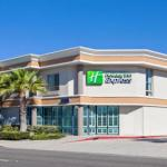 Accommodation near Tiki Bar Costa Mesa - Holiday Inn Express Newport Beach