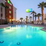 Accommodation near House of Blues Las Vegas - Holiday Inn Express Las Vegas South