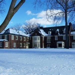 Montague Inn - Bed And Breakfast
