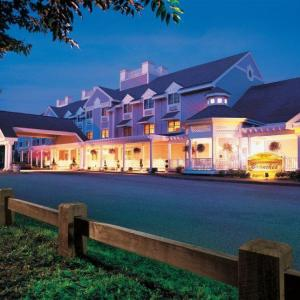 Grand Theater at Foxwoods Hotels - Two Trees Inn At Foxwoods