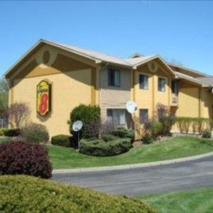 Long Branch Park Hotels - Super 8 Liverpool/Clay/Syracuse Area