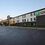 Hotels near Battle Ground Academy - Holiday Inn Express Brentwood-South Cool Springs