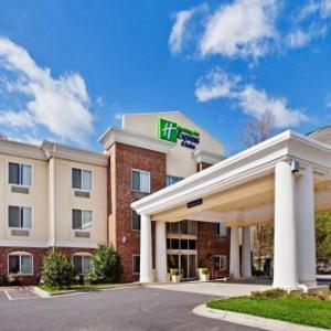 Hotels near Harrah's Cherokee Resort Event Center - Holiday Inn Express Hotel & Suites Cherokee/Casino