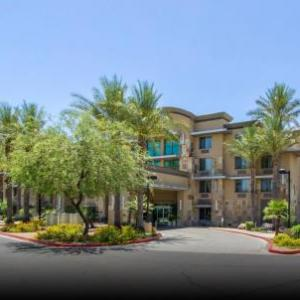Hotels near Ice Den Scottsdale - Holiday Inn Hotel & Suites Scottsdale North - Airpark