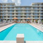 Howard Johnson by Wyndham Virginia Beach At The Beach