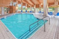 Baymont Inn & Suites Howell/Brighton Image