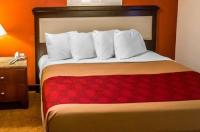 Econo Lodge Inn & Suites Warren Image