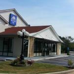 Hotels near Foxhall Resort and Sporting Club - Americas Best Value Inn