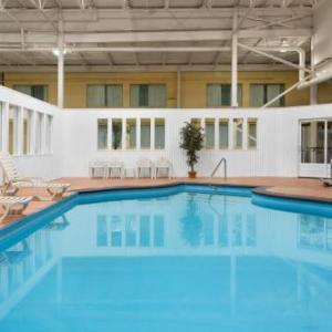 Hotels near Petit Th��tre du Nord Blainville - Days Inn Blainville