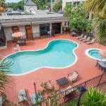 Amway Center Hotels - Travelodge Inn & Suites Orlando Airport
