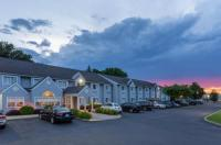 Microtel Inn & Suites By Wyndham Bethel/Danbury Image