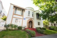 Vintage Two Bedroom West Hollywood Vacation Apartment 4 Image