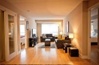 Red Maple Suites - Blue Jays Way Image