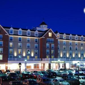 North Shore Music Theatre Hotels - Salem Waterfront Hotel