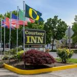 Hotels near Wild Duck - Courtesy Inn Eugene