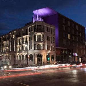 Hotels near Cinema Excentris - Hotel 10 Montreal