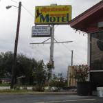Sportsman`s Motel