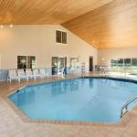 Country Inn & Suites Chippewa Falls