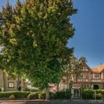 Accommodation near College Prep School - Rose Garden Inn