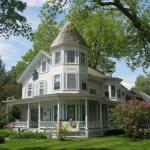 Hugging Bear Inn Bed And Breakfast - Adult Only