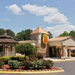 Hotels near Coyote Joes Charlotte - Super 8 Charlotte Airport North