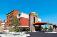 Holiday Inn Express And Suites Butte Image