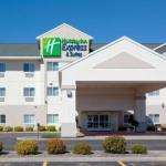 Holiday Inn Express Hotel & Suites Stevens Point-Wisconsin Rapid