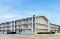 Motel 6 Baton Rouge East Image