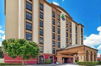 Holiday Inn Express Hotel & Suites Houston - Memorial Park Area Image