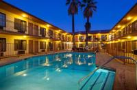 Studio City Courtyard Hotel Image