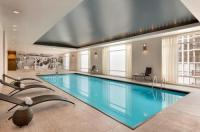 Hilton Suites Chicago/Magnificent Mile Image