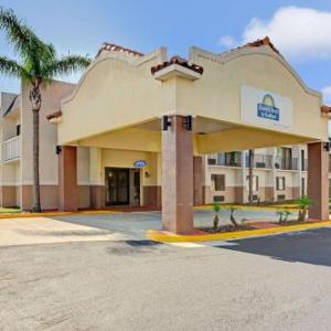 Days Inn & Suites Tampa Near Ybor City