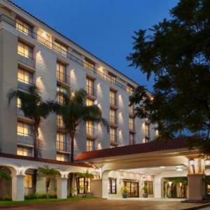 Toyota Speedway Hotels - Embassy Suites by Hilton Arcadia - Pasadena Area