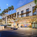 Accommodation near Jenny Craig Pavilion - Courtyard By Marriott San Diego Old Town