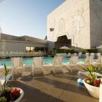 Accommodation near Egyptian Theatre Hollywood - Loews Hollywood Hotel