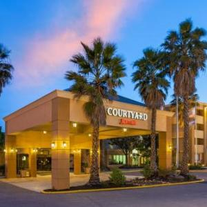 Pepper Belly's Comedy & Variety Theater Hotels - Courtyard By Marriott Fairfield Napa Valley Area