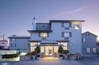 Holiday Inn Express Monterey-Cannery Row Image